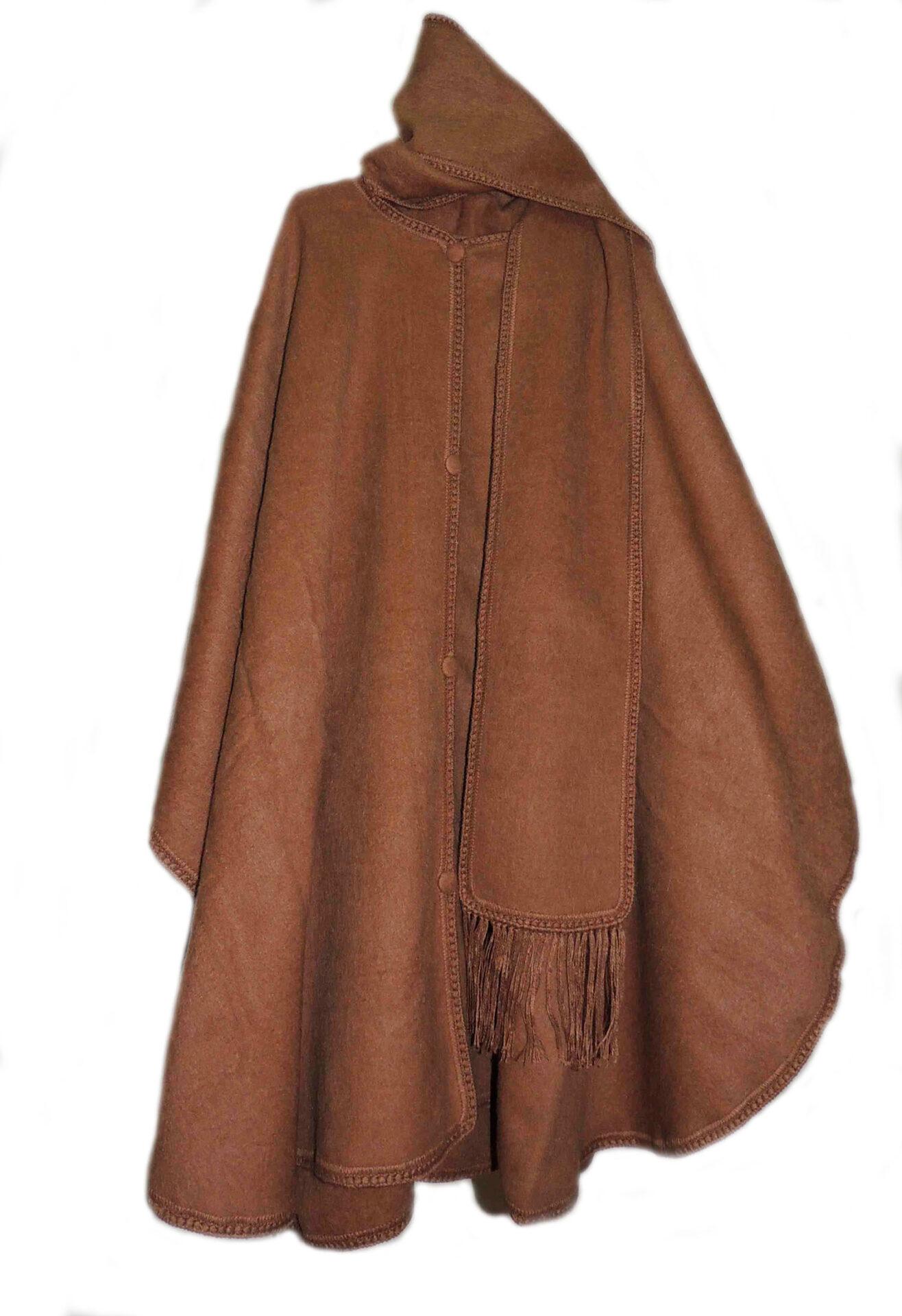 Klassieke poncho uitgevoerd met sjaal in 100% Alpaca