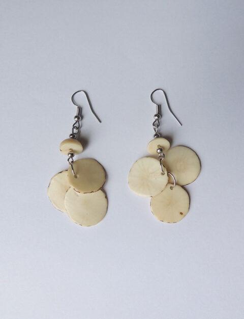 Earrings white in Taqua