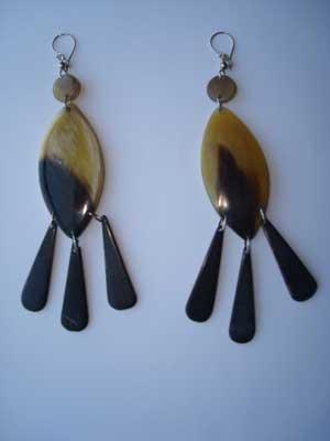 PFL Earrings oval with three tears handmade polished bull horn