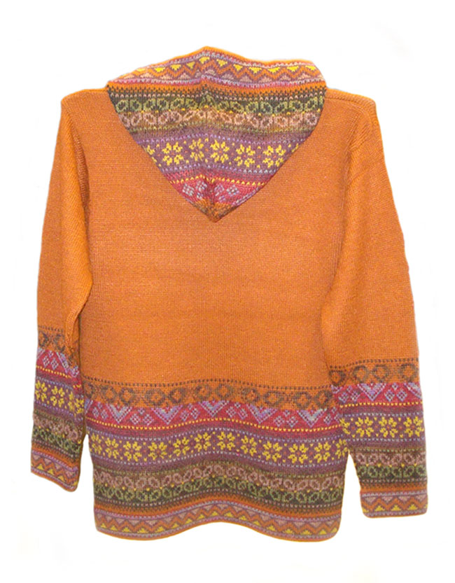 Hooded sweater in alpaca P43 Muru orange.