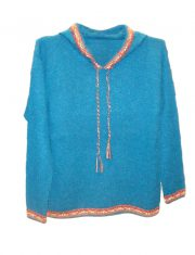 Hooded sweater in alpaca P43 Muru blue.