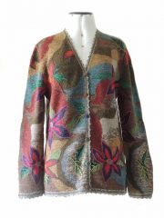 Artisanal knitted Intarsia cardigans with embroiderend and crochet details green