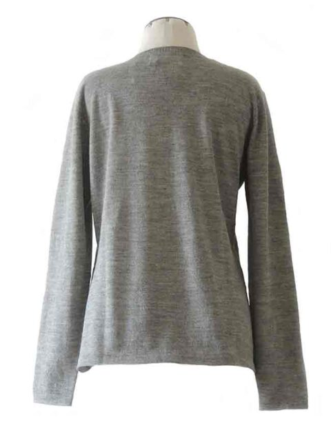 fine knitted grey classic sweater with crewneck in baby alpaca