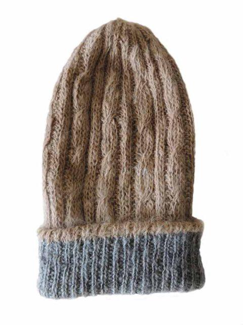 hand knitted beanie reversible grey-beige.