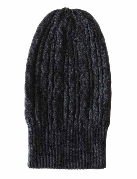 beanie reversible two colors black -grey with cable motif