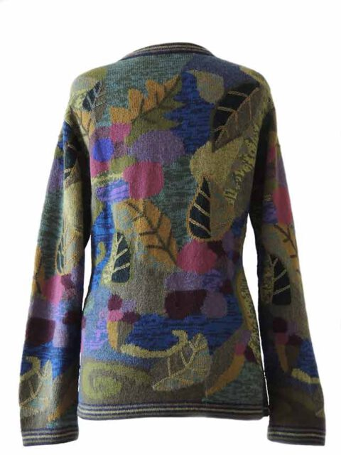 PFL knitwear, cardigan intarsia knitted with leaf pattern and embroidered details crew neck and button closure in alpaca.