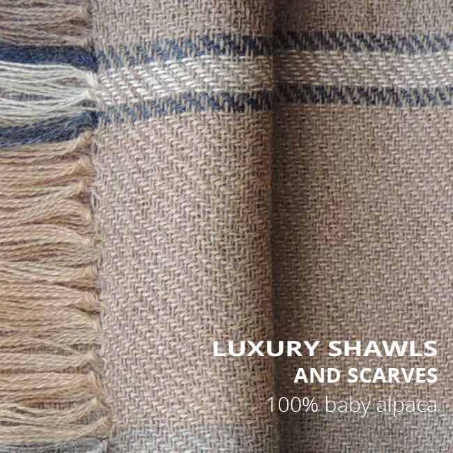 PopsFL wholesale Luxury scarves in baby alpaca, alpaca or eco (baby) alpaca.