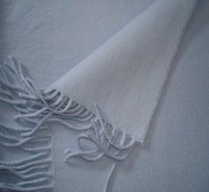 Klassieke sjaal met franjes, blauwgrijs
