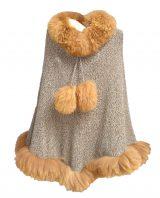 001-02-3004-01/ 02 /03 gebreide ponchos in alpaca met baby alpaca kraag en boorden
