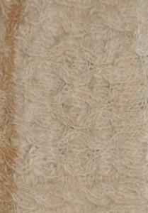 001-31-2011 muts in alpaca rustica (alpaca natural) met pompon