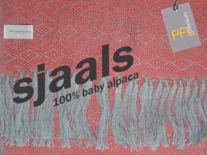 Collectie 2015-2016: dames sjaals 100% baby alpaca.