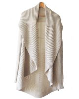 Full knitted open cardigan model Rocio creme white in a soft alpaca blend.
