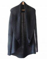 Full knitted open cardigan model Rocio blue in a soft alpaca.