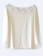 Fine knitted sweater in creme white soft baby alpaca with a round neckline, cuffs and collar