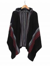 Cape 100% baby alpaca, black Hooded knitted cape /cloak in luxurious super soft and silky baby alpaca wool In black with pattern Sizes: One size fits most. Product code: 001-02-1003 Material: 100% Baby Al