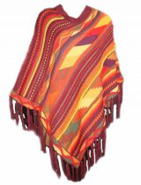 Poncho / cape in bright colors with fringes and V-neck.