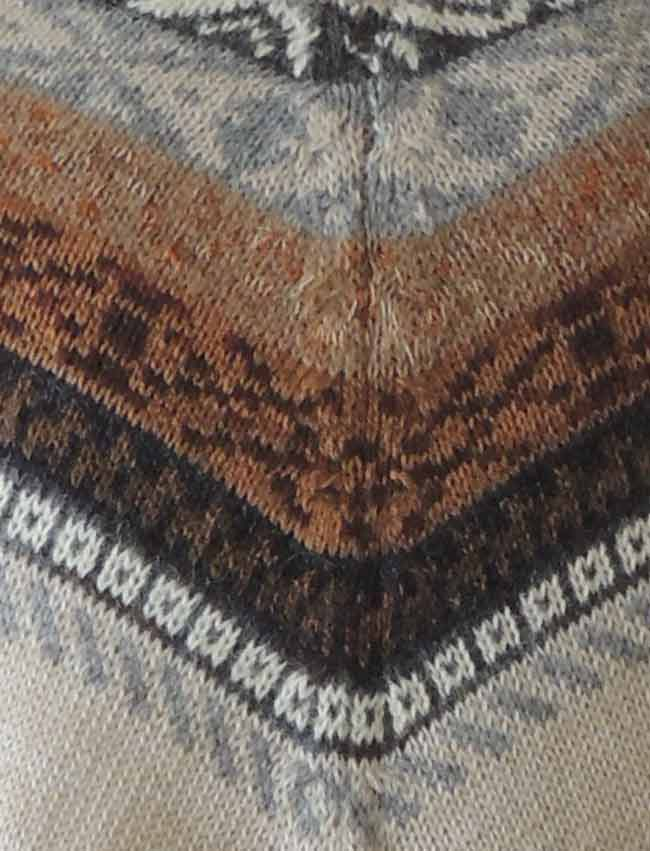 PFL cape of alpaca with fringes.