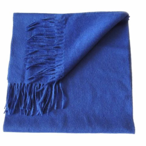 Industrial Woven scarf with fringes, soft and comfortable in baby alpaca.