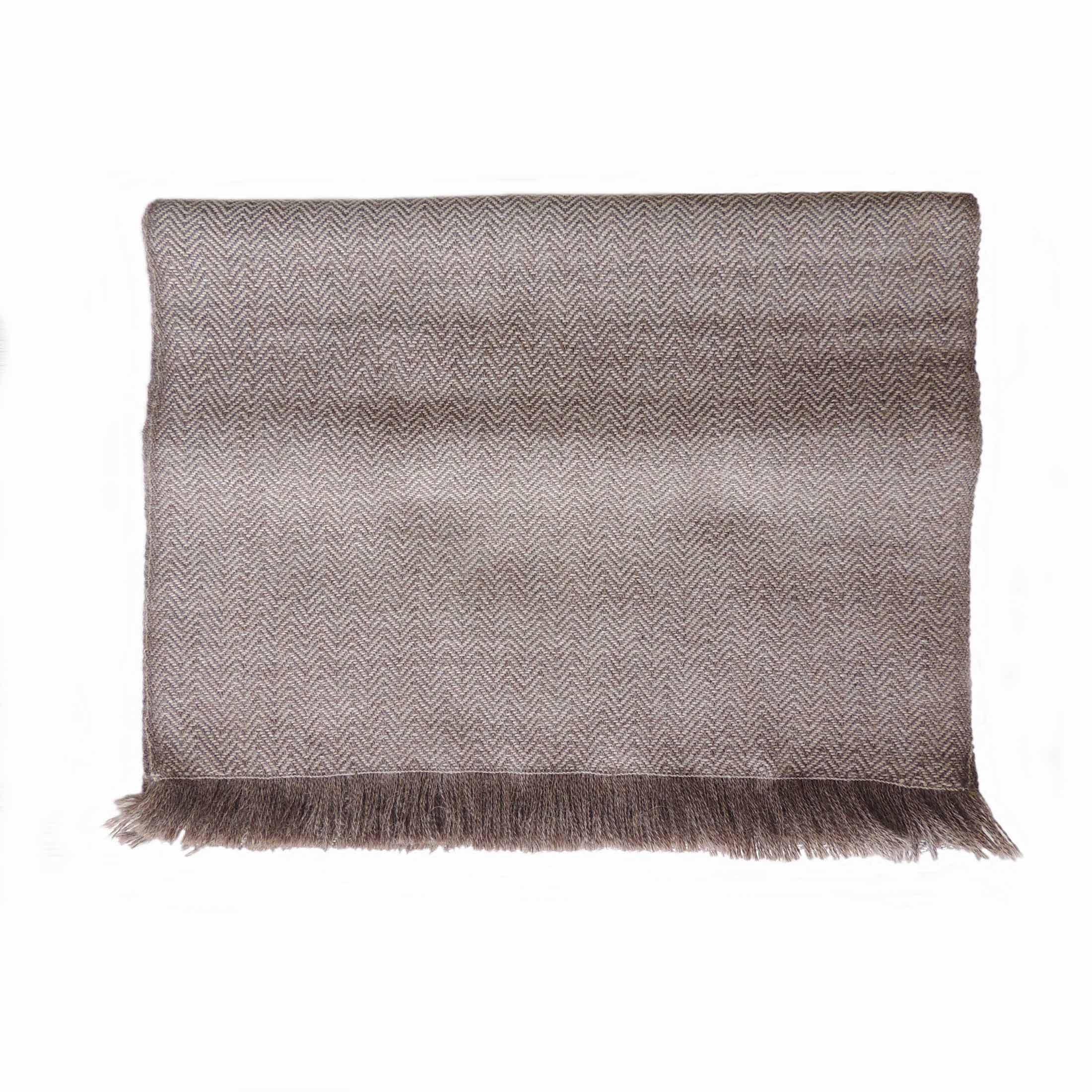 PopsFL Peru wholesale manufactor Handwoven Scarf with herringbone pattern, baby alpaca with fringes.