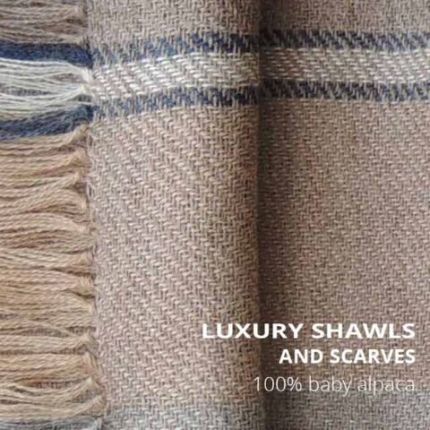 PopsFL wholesale Luxury scarves in baby alpaca, alpaca or eco (baby) alpaca.